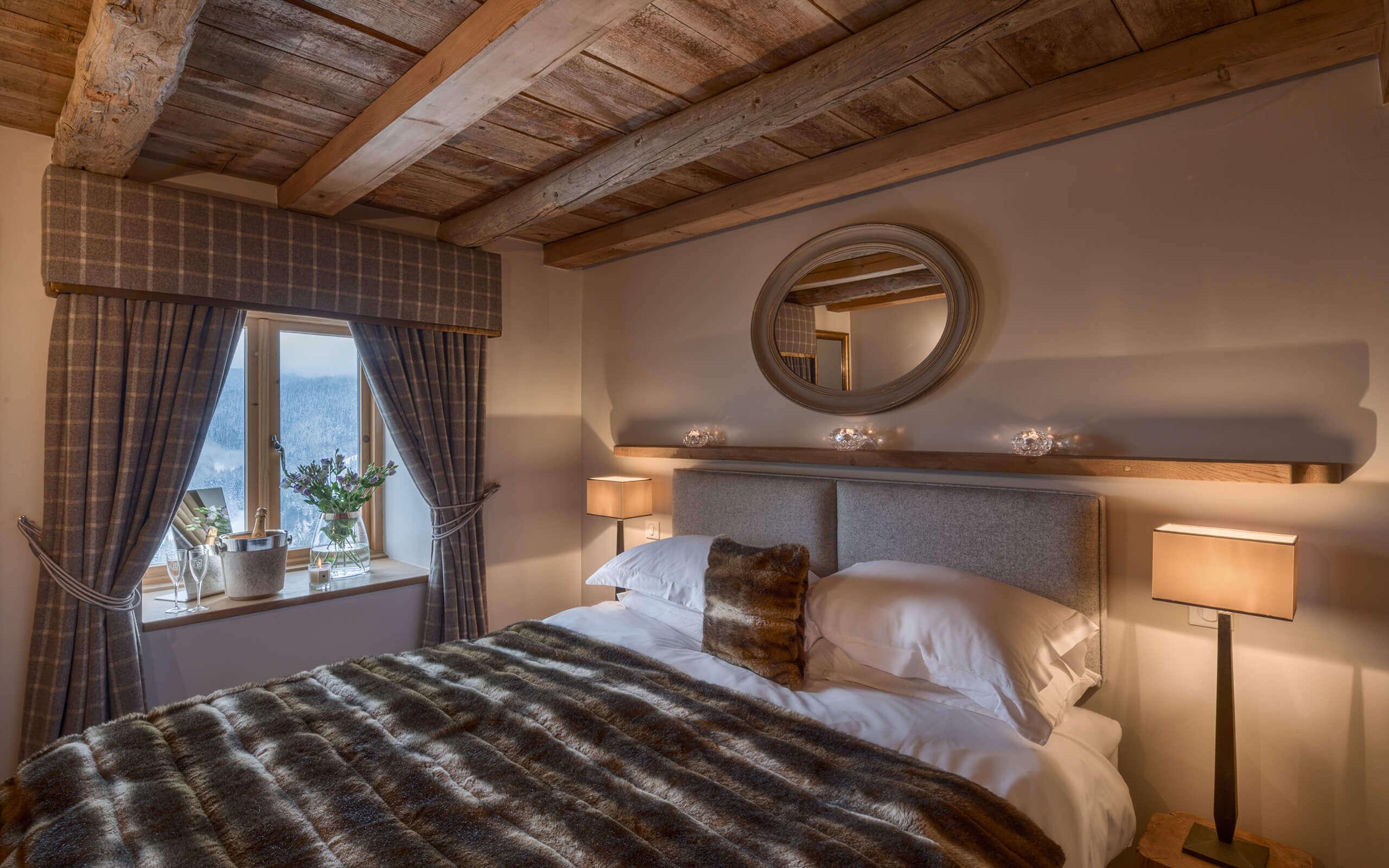 Petite Corniche Les Gets Bedroom