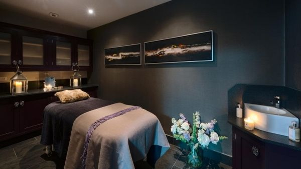 Luxury ski holiday private spa