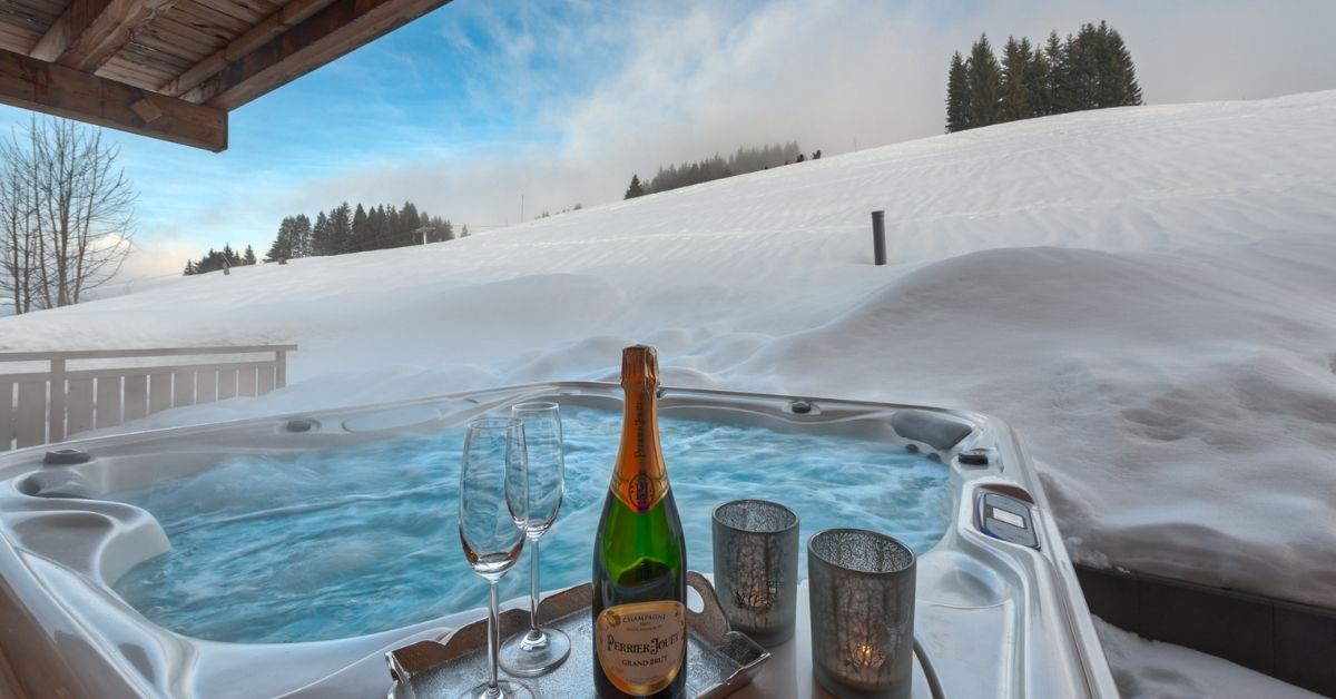 Holidays with hot tubs