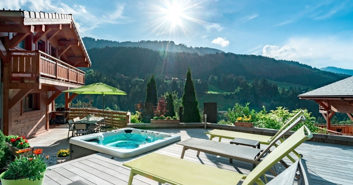 Holidays with hot tubs at Chalet Aubois in Morzine